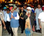 Punjab Governor, Sadhguru visit Golden Temple
