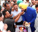 """Navjot Singh Sidhu inaugurates """"Sanjhi Rasoi"""