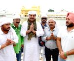 "Star Cast of film ""AASRA"" visit Golden Temple"