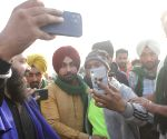 Punjabi singer Ravinder Grewal joins farmers' protest at Singhu Border