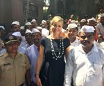 Queen Maxima meets Mumbai's dabbawalas