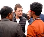 Rahul attacks Modi for favouring industrialists