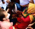 Rahul meets kin of 9-yr-old rape & murder victim, demands justice