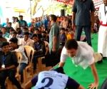 Rahul takes up push-up challenge at Kanyakumari
