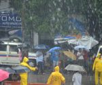 Mumbai may escape Cyclone