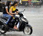 Rains lash Patna