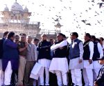 Ashok Gehlot, Avinash Pande review preparations for oath-taking ceremony