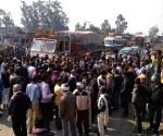 Rajasthan villagers block road, demand martyr status for Delhi cop