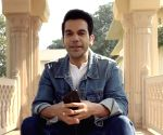 Rajkummar Rao flaunts muscles, urges fans to work hard on fitness