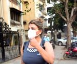 Rakhi Sawant Spotted Hospital in Juhu