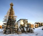 Rakvere (Virumaa): Ten metre high special wood Christmas tree