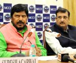 Athawale adamant on 10 seats for Maharashtra polls