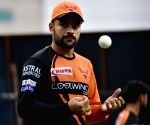 Sunrisers share Rashid imitating Smith's batting in fun post
