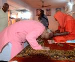Bhagwat visits 123-year-old Rajasthan saint on birthday