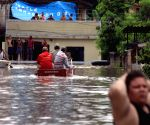A house collapsed due to downpours in the west zone of Rio de Janeiro