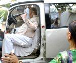 Laloo Prasad Yadav departs for Ranchi