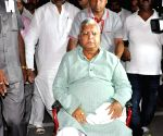 Lalu Prasad Yadav leaves for Mumbai for treatment
