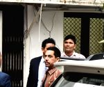 Robert Vadra appears before ED