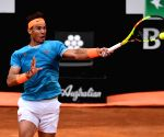 Nadal, Federer set up potential semifinal at French Open