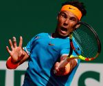 Nadal advances to Monte Carlo semi-finals