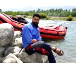 Tourist guide dies rescuing tourists in J&K