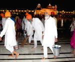 Sabat Surat' Sikhs clean Golden Temple