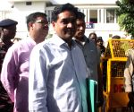 Kapil Mishra meets ACB chief with 'proof' of fake CNG kits
