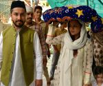 Sakshi Dhoni visits Ajmer Sharif