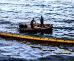 GREECE-SALAMINA ISLAND-SUNKEN TANKER-OIL SPILL
