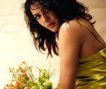 Samantha Akkineni dazzles in shimmery gold fringed dress