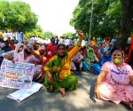 Sanitation workers picket against BJP, raised demand for salary at Pant Marg near Delhi BJP office