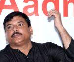 Sanjay Singh, Pawar meet over possible alliance