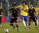 Venezuela stymies Japan's winning streak