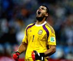 Sergio Romero escapes unhurt in car accident