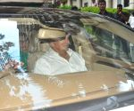 Salim Khan discharged from Hospital