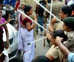 Lathi charge on Anganwadi workers
