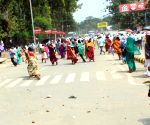 Lathi charge on members of Prerak Sangh