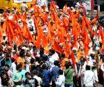 2019 Lok Sabha elections - Digvijaya Singh, Computer Baba during poll campaign