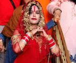Radhe Maa visits Golden Temple