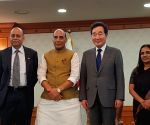 Rajnath meets South Korean PM, discusses strategic ties
