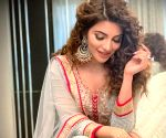 Shama Sikander donates money to the needy on Eid