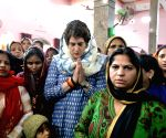 We are with you: Rahul, Priyanka tell CRPF trooper's family