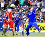 Shane Watson in action during RCB v/s RR in Jaipur