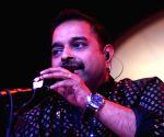 शंकर महादेवन, जॉन मैकलेनघन और जाकिर हुसैन, एक खास गाना ला रहे हैं