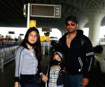 Mumbai : Sharad Kelkar and Family Spotted At Airport Departure