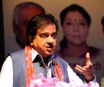 Shatrughan Sinha favours Priyanka Gandhi as Congress chief