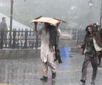 Hundreds stranded in Himachal after heavy rains
