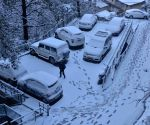 Intense cold wave freezes Himachal