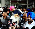 Parkash Singh Badal visits injured AAP legislator in hospital