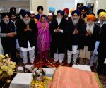 SAD leaders offer prayers at Golden Temple